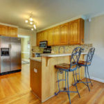 404-cobblestone-ct-burlington-small-008-3-breakfast-bar-666×444-72dpi