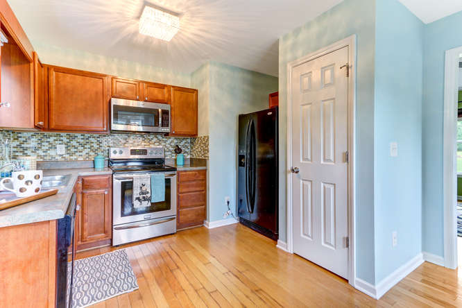 8410 Silas Dr Snow Camp NC-small-011-6-Kitchen-666×444-72dpi