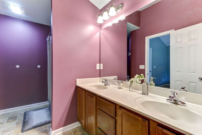 8410 Silas Dr Snow Camp NC-small-015-10-Master Bathroom-666×444-72dpi